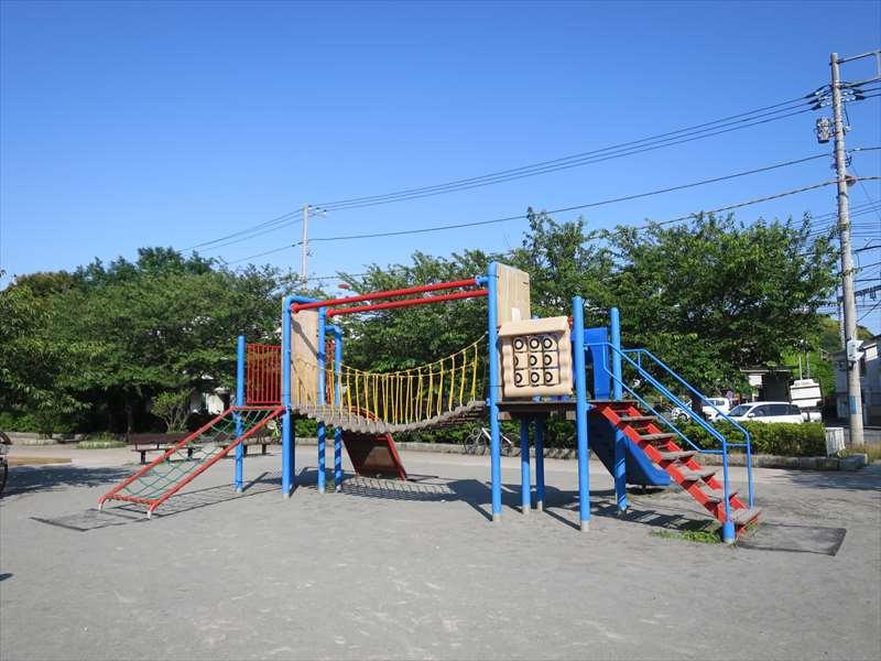 大津公園の遊具