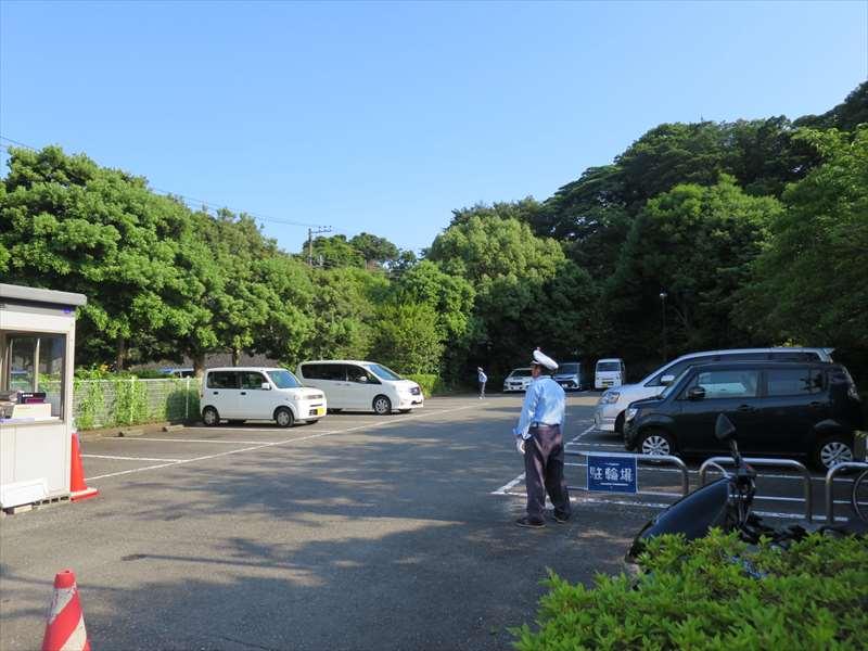 横須賀しょうぶ園の駐車場