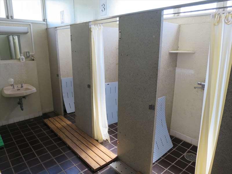 レストハウスのシャワールーム