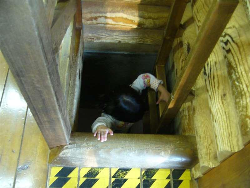 地下迷路の入口