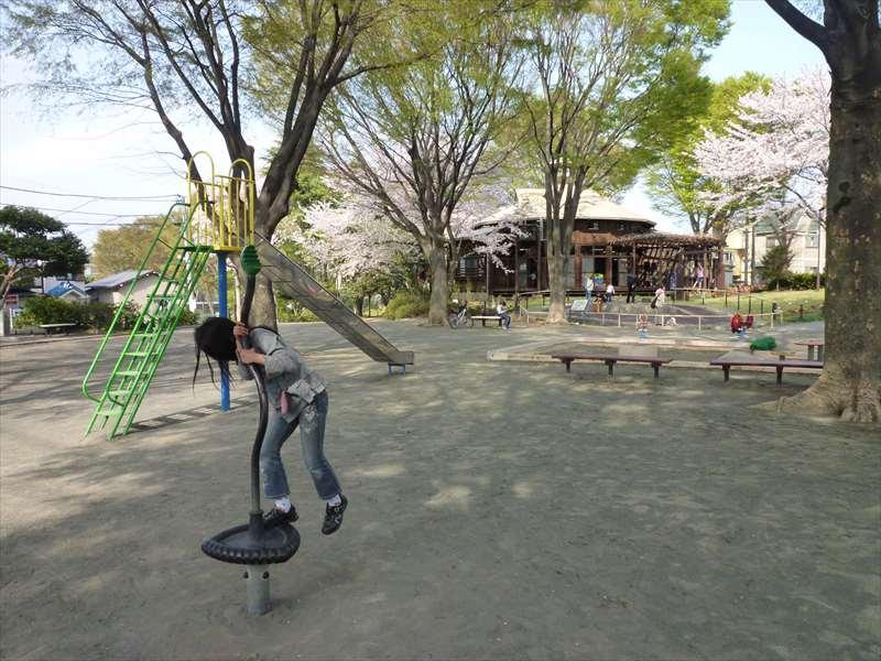 境之谷公園の遊具